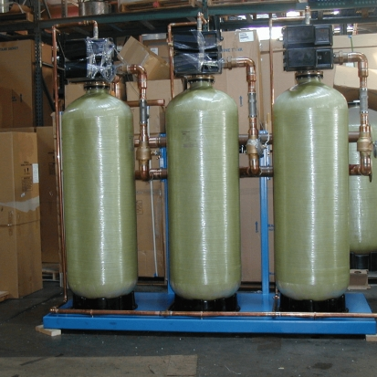 Photo : Commercial Water Softeners