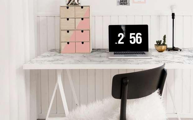 20 id es diy pour am nager facilement un coin bureau - Ikea planche bureau ...