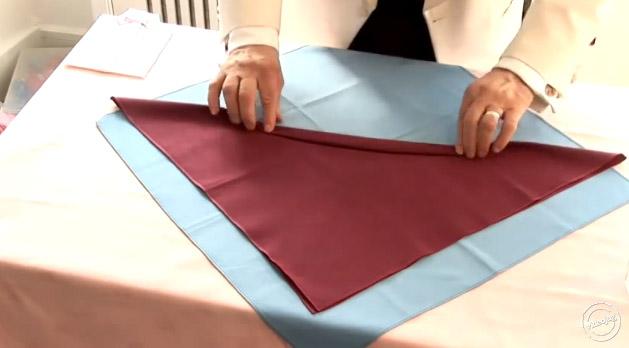 pliage serviette papier facile et rapide cheap rapide pliage de serviette en fleur de lotus. Black Bedroom Furniture Sets. Home Design Ideas